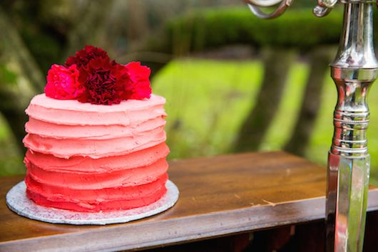Ombré Valentine Inspiration with Fabulous Florals - www.theperfectpalette.com - Joanna Moss Photography, Umbrella Events, Vivio Flowers