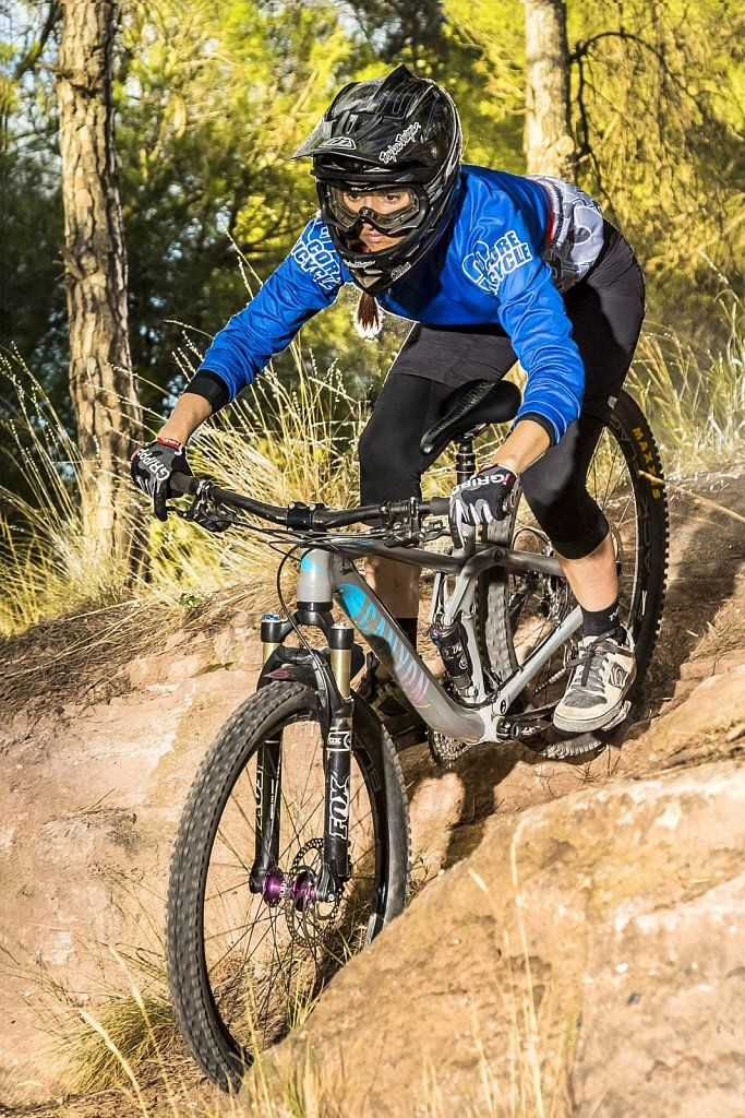 GRIPPP TOUR FF 2.0 white @corebicycle Rider: Laura Celdran Subiela (Spain)  #hirzl #hirzlgrippp www.hirzl.com #passion #motivation #illusion #enjoy #ride #learn #corebicycle #bike #bicicyle #cycling #enduro #downhill