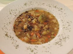 Bramborová polévka s krupkami