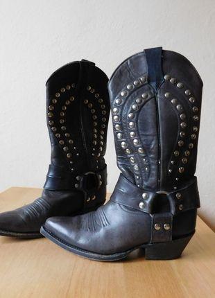Kup mój przedmiot na #vintedpl http://www.vinted.pl/damskie-obuwie/kozaki/11675324-maraschino-meksykanskie-kowbojki-skora-czarne-szare-napy-38