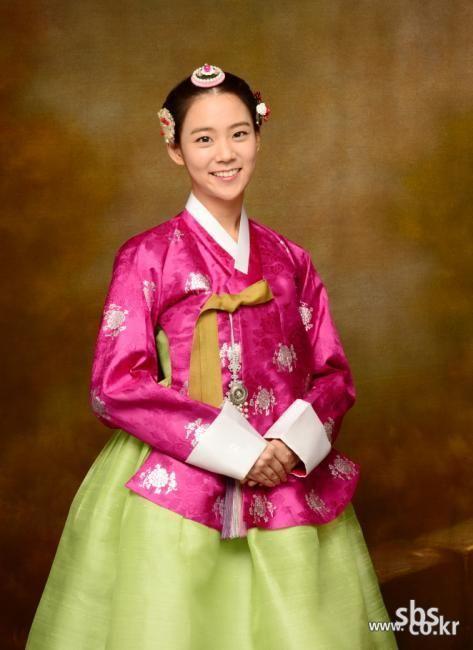 Korean drama [Jang Ok-jung, Living by Love] = 숙빈최씨 [Lady Choe Sukbin] - 한승연 (Han Seung-yeon)