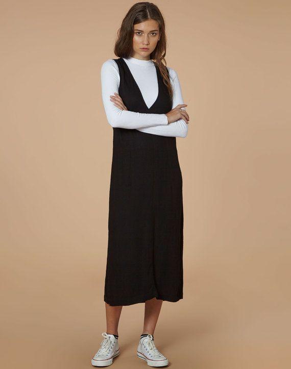 edt. V-Neck Layering Dress