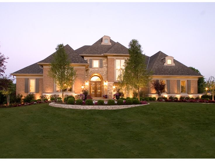 Luxury walkout basement home plans luxury home plans for Luxury house plans with basements