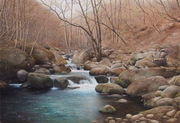 「川俣川渓谷」続木唯道 油彩(P50号) 2013年   山梨県の八ヶ岳を源流とする渓流川俣川。 五月に入ってもなお冬の様相を呈しているが、よくよく見ると木々の芽吹きが始まっていた。  標高1400m辺りの、雪解け水が岩場を縫って流れ下る様は 何とも清々しい。 山河の風景は常に人の心の拠り所である。