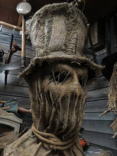 Scarecrow mask help I bet I could make this with starch and burlap and a foam head.