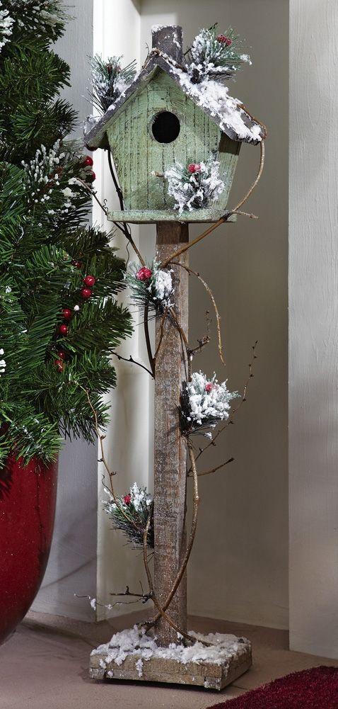 Rustic Christmas birdhouse