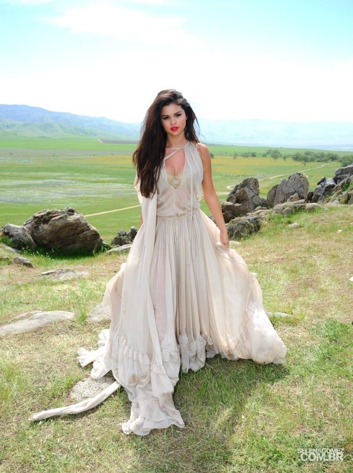 Selena Gomez Come and Get It music video