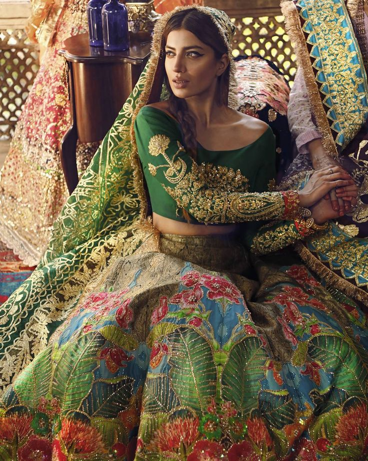 The intricate details and pieces of art on Ali Xeeshan's masterpiece makes it uniquely elegant and heart hitting. De mariée starring @iamrabiabutt  Jewellery by @samreenvance  Makeup by @hannan_makeup_hair  Carpets by @abbascarpets Photography and videography by @stopstyleproductions #demariée #alixeeshan #alixeeshantheaterstudio #alixeeshanempire #couture #handcraftedinpakistan #dreambrides #pakistanibridal #lahore #karachi #islamabad #pakistan #realbride #bridalcollection