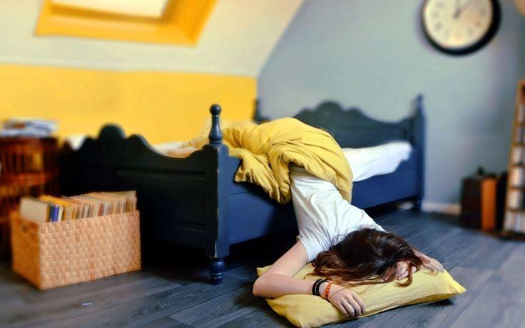 Dormire poco non va bene e non fa bene, le cause che possono favorire il disagio del dormire poco sono molte. Se la deprivazione di sonno diventa cronica,