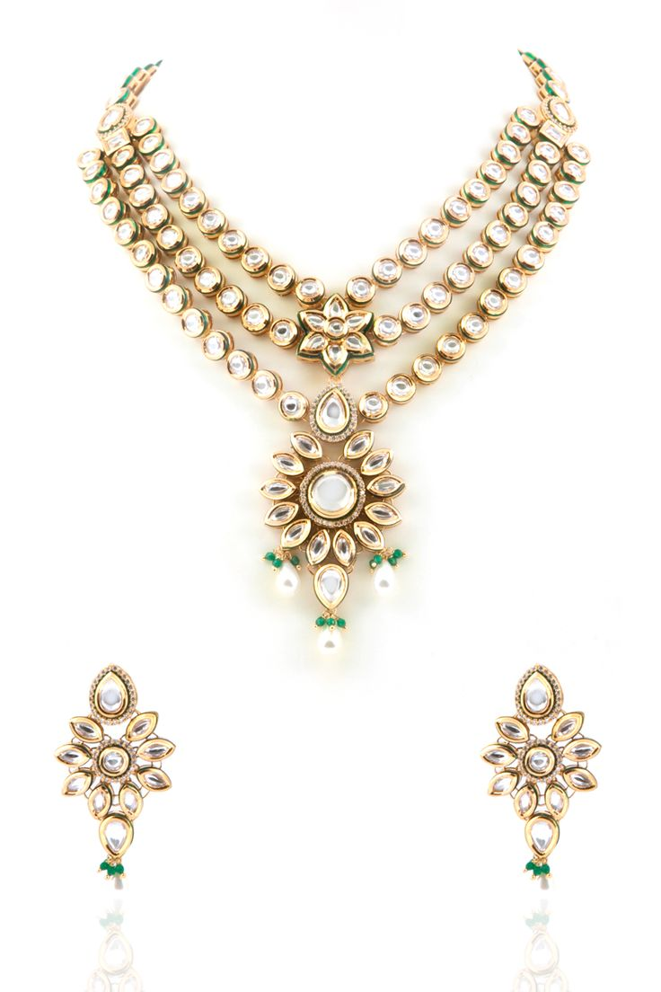Vilandi set with pearl drop in gold plating