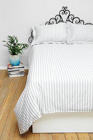 Essenza Kariertes Bettbezugset für Doppelbett in Grau - Urban Outfitters