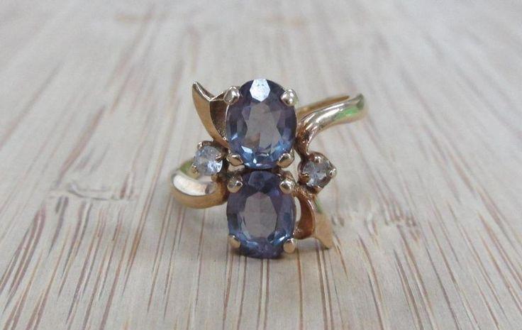 1.75ctw London Blue Topaz & White Topaz 10KT Yellow Gold Ring 3.2grams 11-I3919