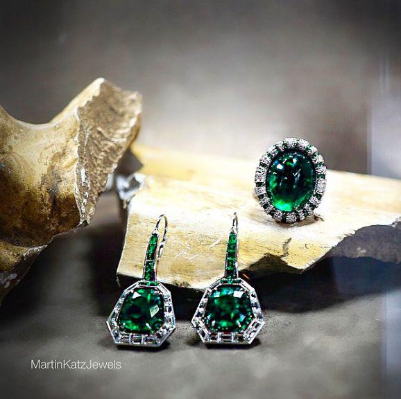 #jewelry #finejewelry #diamonds #emerald #ring #earrings #luxury #MartinKatz…