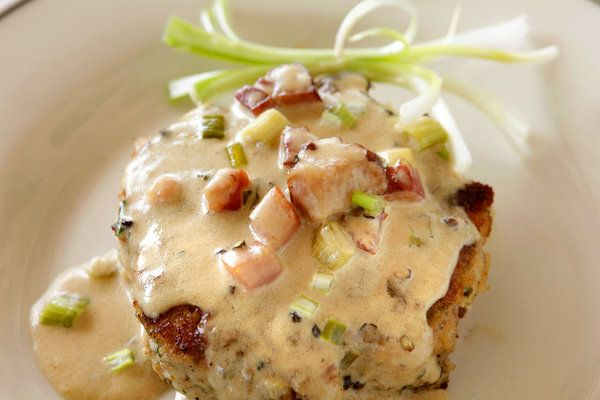 ladies, why not come over and make these oyster cakes for me?  i'll buy the wine.