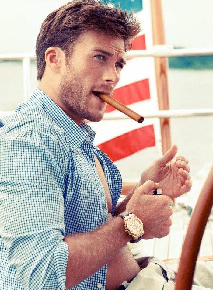 Genética linda! Filho do Clint Eastwood é incrivelmente sexy!