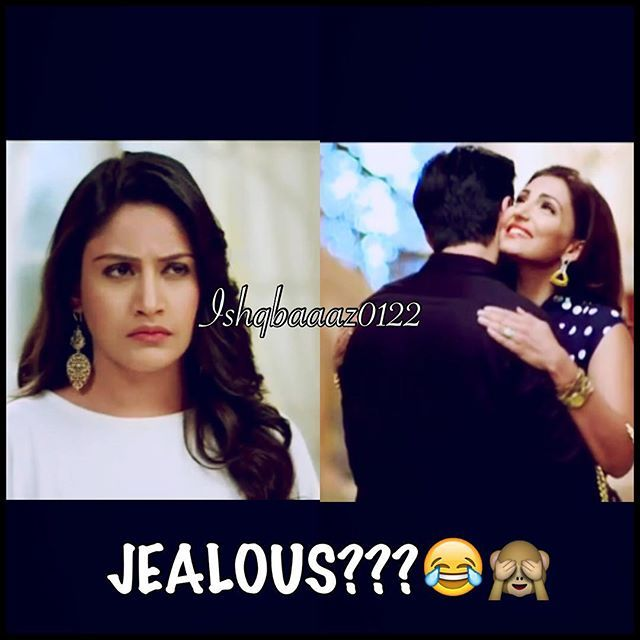 LOOK WHAT I FOUND COMMON IN TODAYS EPISODE ANNIKA AND ISHANA JEALOUS ❤️❤️❤️ @gulenaghmakhan Best Couple Ever ❤️ @officialsurbhic @nakuulmehta #ishqbaaaz #shivika #hero #heroine #bestactors #bestserial #starplus #expressionking #expressionqueen #nakuulmehta #surbhichanda #surbhi #chandu #cute #anshi #nakuul #annika #tellywood #bollywood #shivaaysinghoberoi #bestjodionscreen