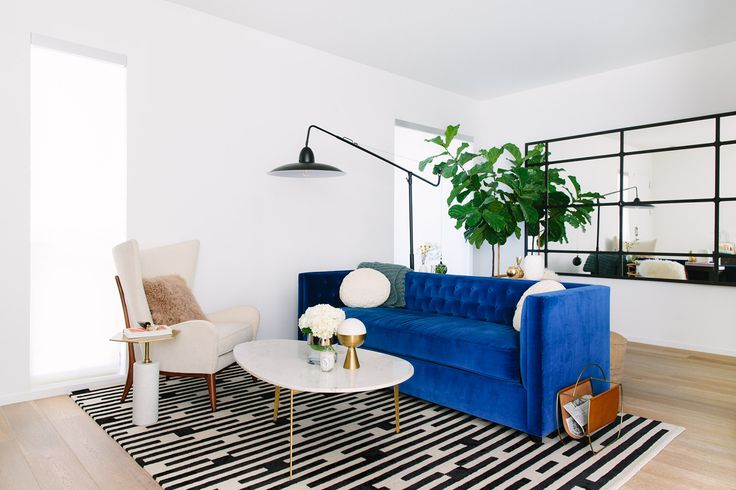 21 Ways To Work Velvet Into Your Home Decor This Fall // Interior Design Inspiration. #velvet #velvetchairs #homedecor Read more: https://www.brabbu.com/en/inspiration-and-ideas/interior-design/ways-work-velvet-home-decor-fall