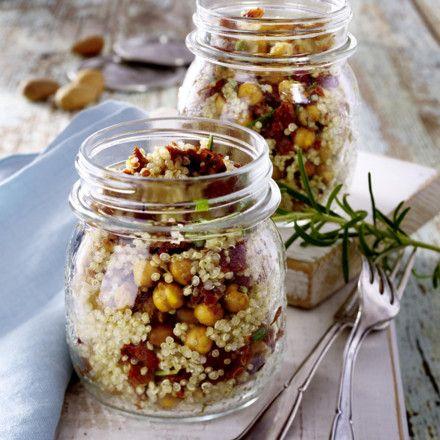 Quinoa-Salat mit getrockneten Tomaten Rezept