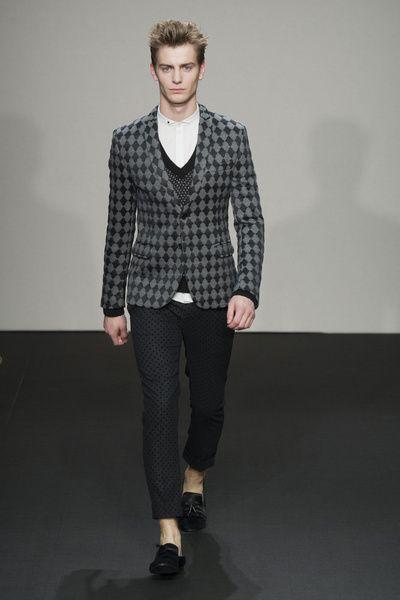 MMU FW 2014-15 – Daniele Alessandrini See all the catwalk on: http://www.bookmoda.com/sfilate/mmu-fw-2014-15-daniele-alessandrini/ #danielealessandrini #milan #fall #winter #catwalk #menfashion #man #fashion #style #look #collection #MMU