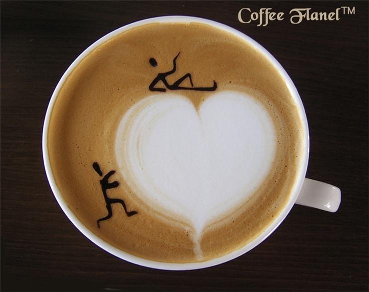 하트는 라떼 아트고 사람 이미지는 초콜릿 시럽으로 보이는데 정말 멋지네요.그리는 동안 커피는 식었겠다는 싶지만..