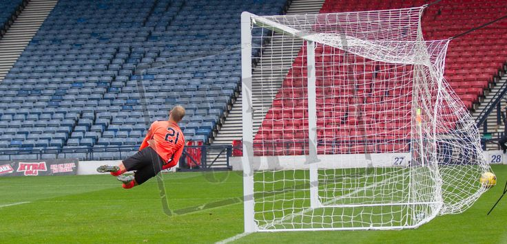 East Fife's keeper Mark Hurst can stop the ball hitting the net during the Ladbrokes League One game between Queen's Park and East Fife.