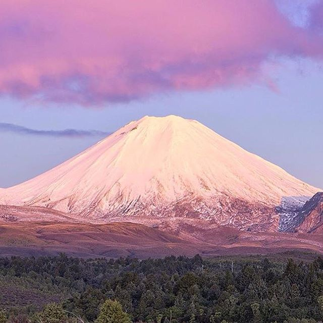 #flashback from when @william_patino was in our #greatlaketaupo region #mtngauruhoe #mtdoom #landscape #godscountry #lovetaupo #TombRaiderNZScout