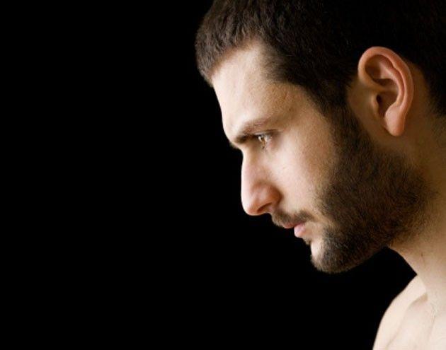 Turcos apostam no implante de barba e bigode para transmitir masculinidade