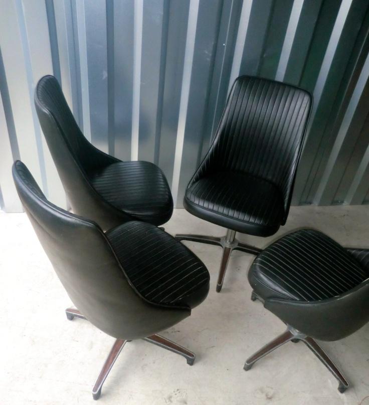 Set Of 4 Vintage Chromcraft Chairs