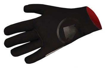 Just the ticket for cold, rainy rides. With superstretch neoprene outers and a wicking terry inner, your hands stay toasty and dry, no matter how nasty the conditions.  Endura Nemo Waterproof Gloves - House of Chain