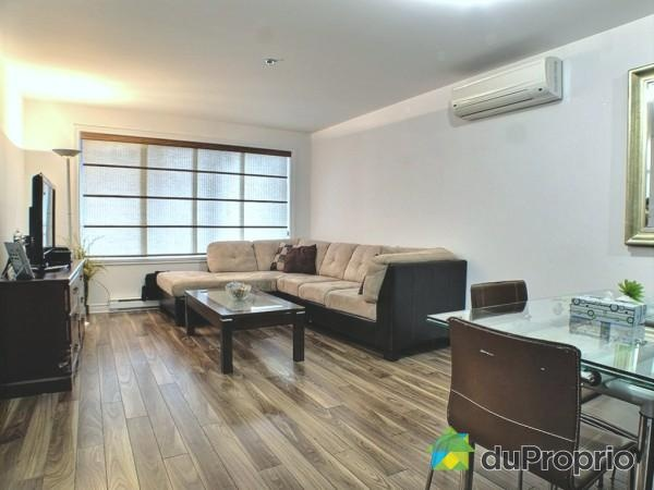 Condo for sale in Montreal, 105-7923, chemin Westover | DuProprio #1. Kitchen looks super small. but overall ok, includes parking garage