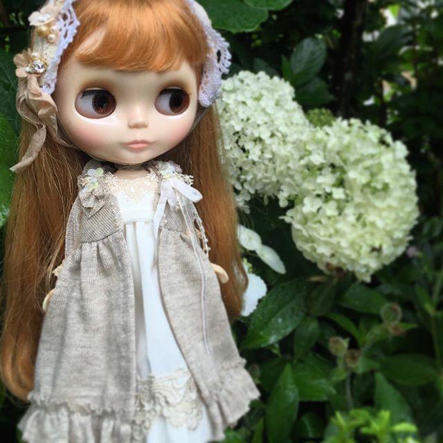 今日は#ブライス のお誕生日ですね。  特別な日は、私の特別な娘に、特別なお洋服を  ブライスさん、お誕生日おめでとう💕💕💕
