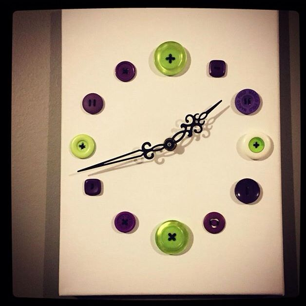 Horloge à boutons / clock made with old buttons