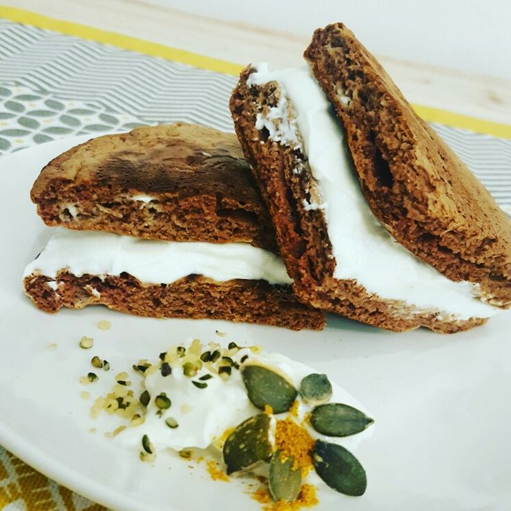 pancakes fit my protein    kinder fetta al latte  http://blog.giallozafferano.it/chefclod/kinder-fetta-al-latte-proteico-myprotein/