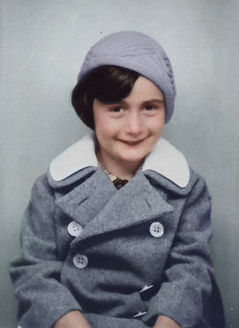 Book alleges Nazi collaborator betrayed Anne Frank's family