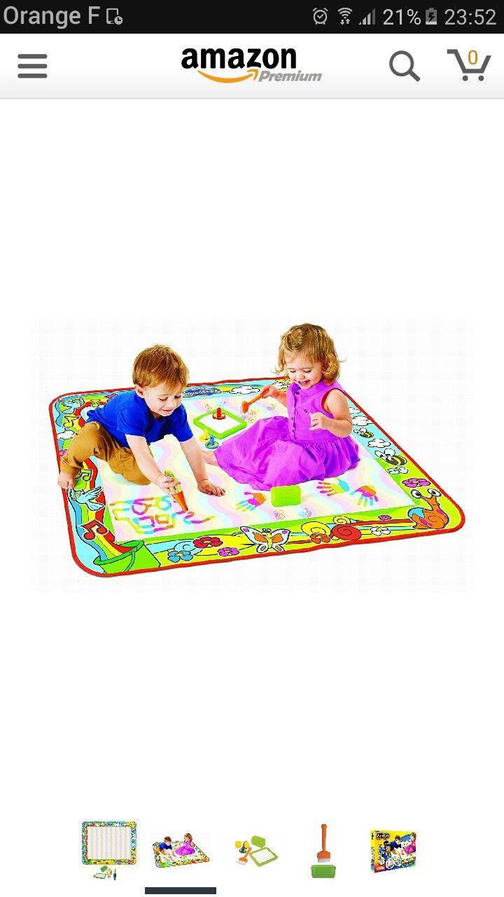 tapis aquadoodle - plusieurs modeles/taille - par exemple 35 € sur Amazon - Ce tapis permet aux petits de dessiner avec toutes les couleurs de l'arc-en-ciel ! Un plaisir infini : Au bout de quelques minutes, l'eau s'évapore et le dessin disparaît. L'enfant peut recommencer à l'infini! Des heures de dessin en perspective ! Complet : L'enfant peut dessiner avec un crayon, « peindre » avec un large pinceau, ou faire des jolis dessins avec ces 3 tampons.