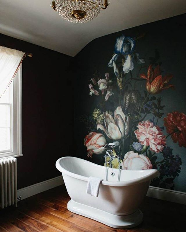 Темный пол в сочетании с темными стенами😍. А если к этому сочетанию добавить и темные двери, то получится сказка✨#дизайнинтерьера #interior #inspiration #ванная