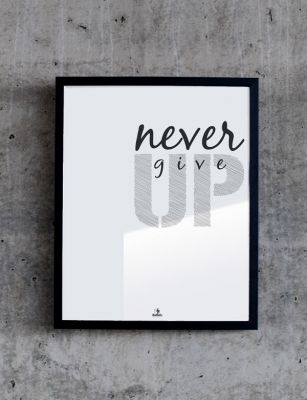 Never give up, plakat No. 158 // Babafu Typography