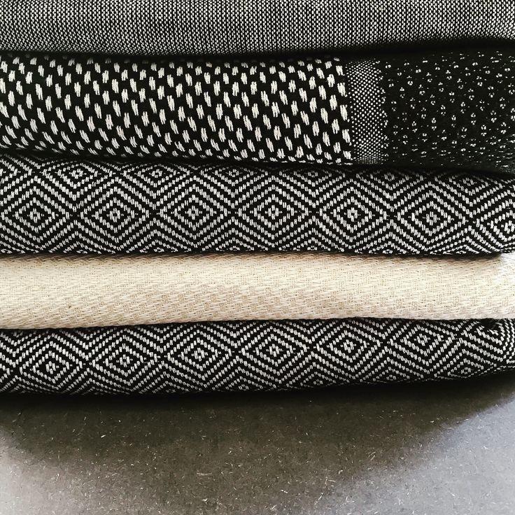 Hamam håndklæder i sort og hvid - forskellige strukturer fra VIIL // Hamam towels in black and white - different textures - VIIL