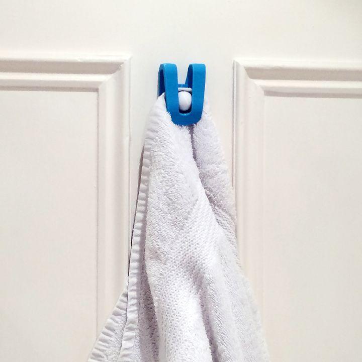 3D Printable Towel hanger clip  by Franc Falco