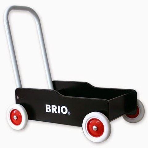 Klassisk gåvogn, hvor hjulene kan bremses, og vinklen på håndtaget kan justeres.