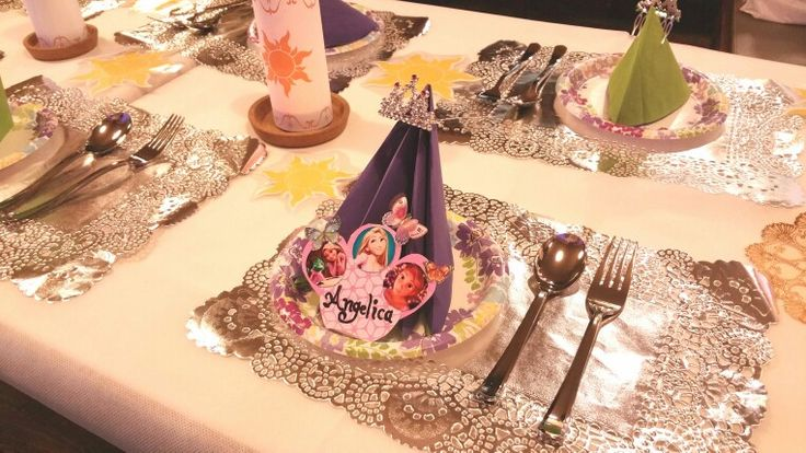 table,tangled,party