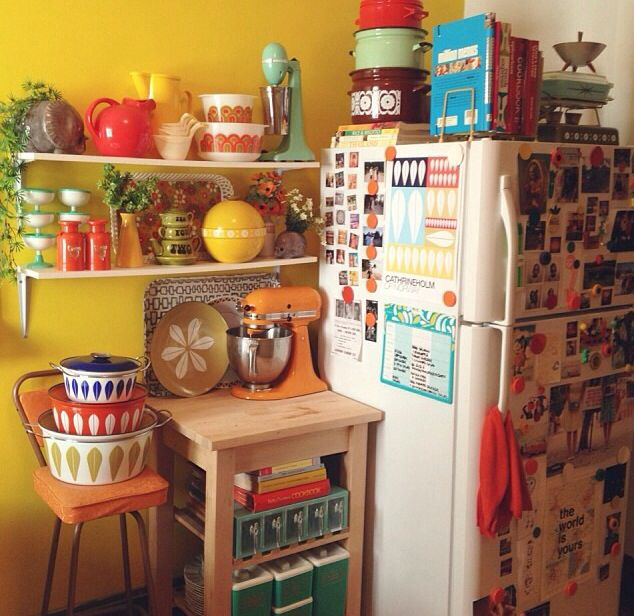 Small Messy Kitchen: Messy, Colourful Retro Kitchen
