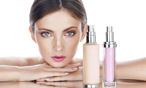 CC creams or Complexion correction creams became popular just after the BB or Blemish Balm creams appeared in the markets in 2011. While the BB creams focus more on hiding imperfections on your skin, the CC creams do the job of fixing your skin tone.