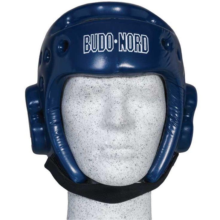 Budo-Nords blå hjelm - 375,00 DKK  Budo-Nords blå hjelm er en af de mest populære hjelme til taekwondo - kan sagtens og med fordel bruges til andre stilarter, specielt hvor der bruges rødt og blåt udstyr.