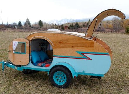 DIY Teardrop Trailer by Homespun Harros