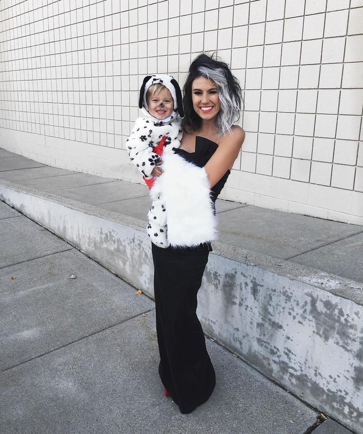 Cruella and my Dalmatian ⚫️⚪️⚫️ His black nose didn't last long  #al…
