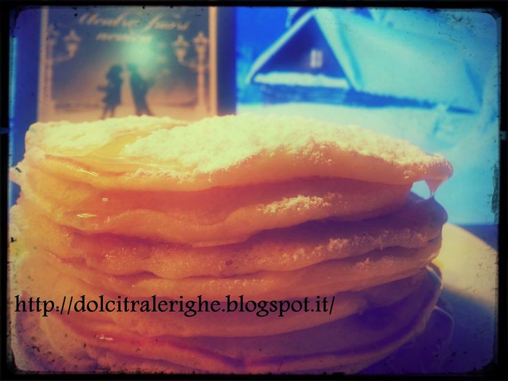 Dolci tra le righe: Mentre fuori nevica di Sarah Morgan con Pancake. La ricetta originale americana --->  http://dolcitralerighe.blogspot.it/2014/12/mentre-fuori-nevica-di-sarah-morgan-con.html