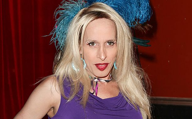 Alexis Arquette, transgender actress and sister to David and Patricia Arquette, has died | EW.com