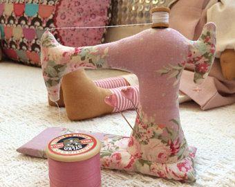 Portaspilli per Tilda mini macchina da cucire, cotone Mini Reel, rosa floreale, fatto a mano in Scozia, festa della mamma, regali, stile Vintage Singer