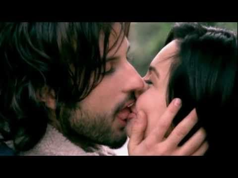 Love Tarkan, love this song and the video is HOT! Tarkan - Hüp